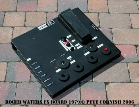 Roger Waters | Pete Cornish custom pedalboard