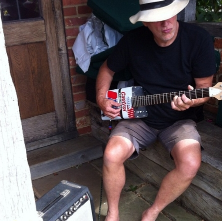 David Gilmour on oil can guitar